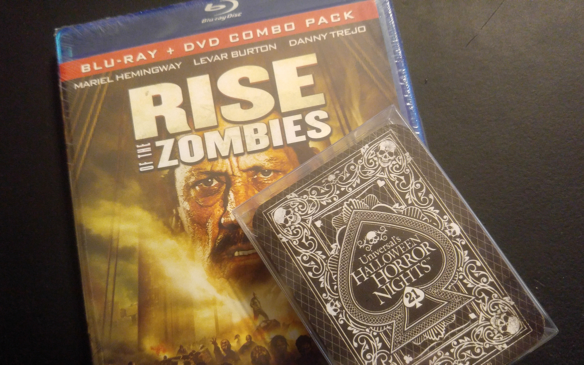 Random Giveaway #1 #HHN 21 Deck & Rise of the Zombies
