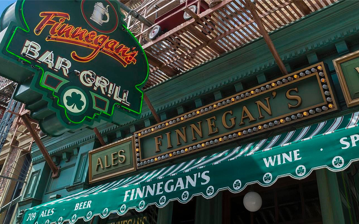 A Queue Line At Finnegan's for HHN 27?